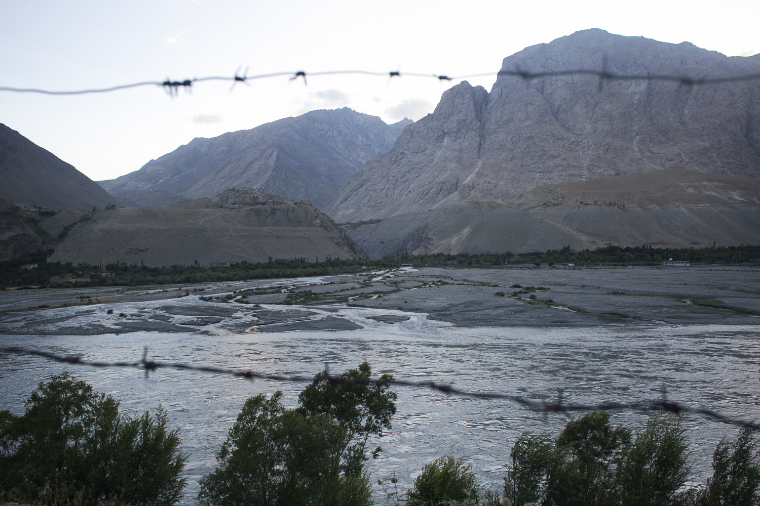 The Afghanistan-Tajikistan border stretches 1,300 kilometers and is thinly protected along many points. (Photo: David Trilling)