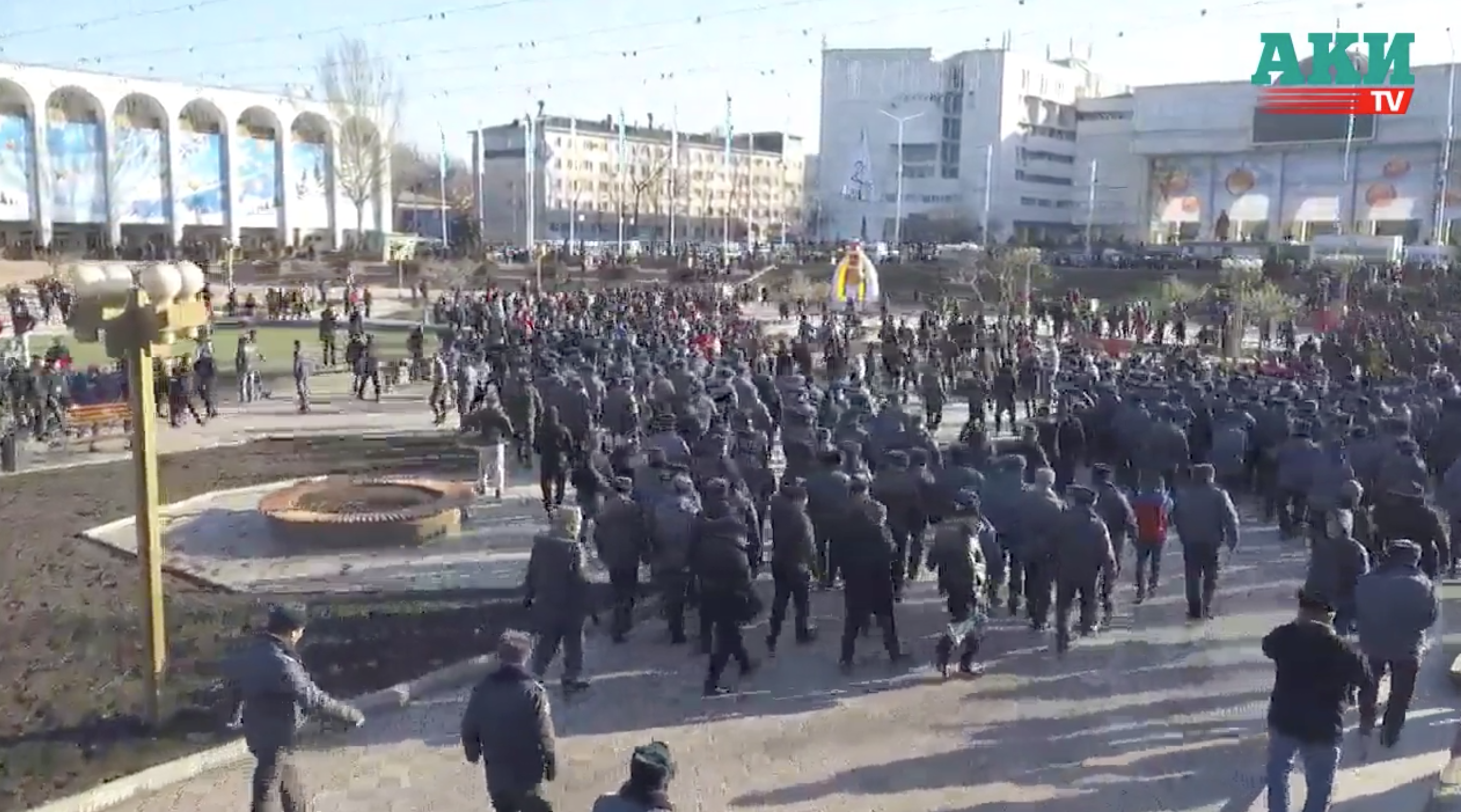 A screenshot from drone footage filmed by AKIpress news agency showing the moment police dispersed the crowd in Bishkek's Ala-Too square. (Photo: AKIpress)