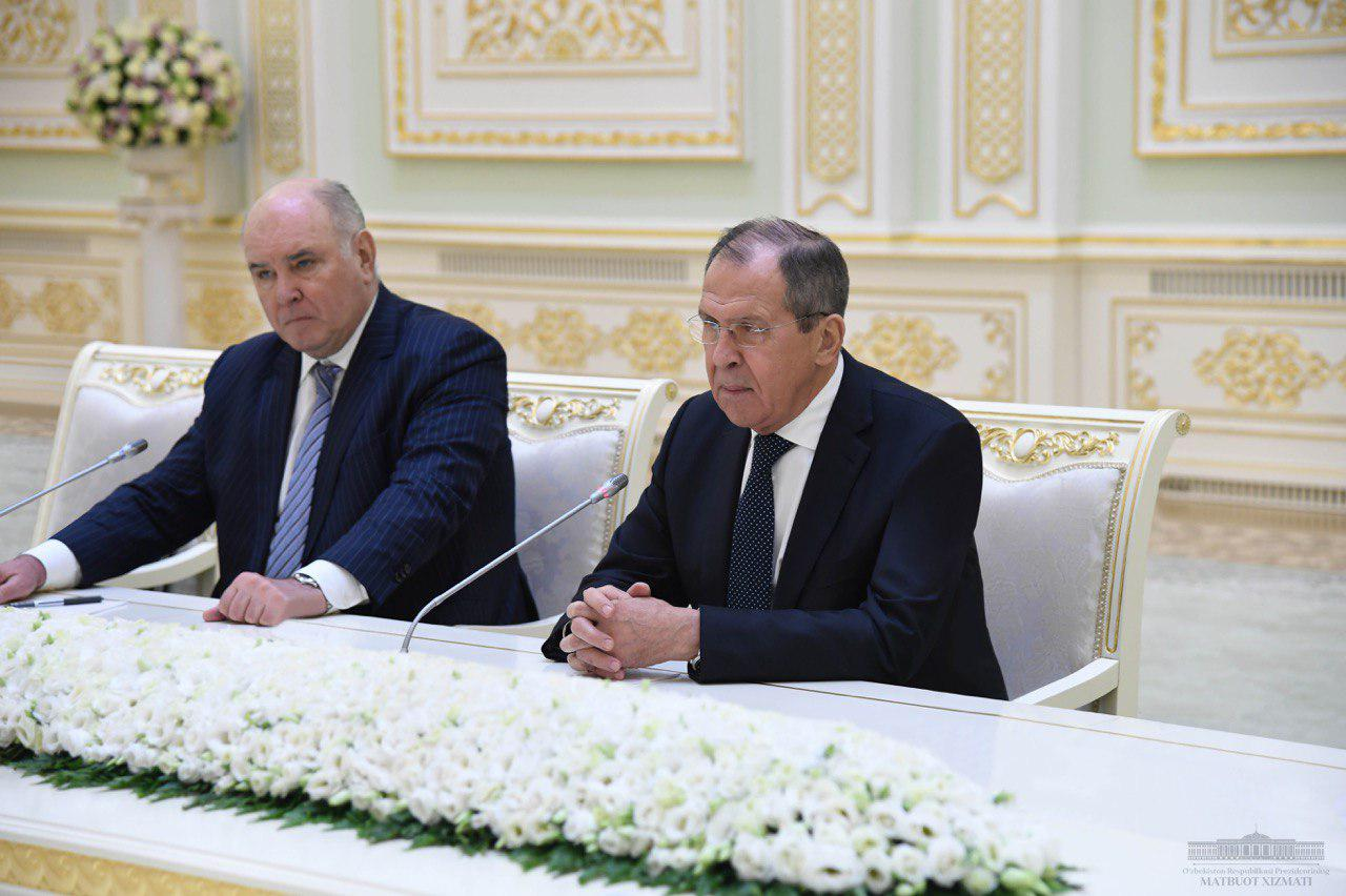 Oh, tonight, atomic: Lavrov, right, at a meeting in Tashkent with President Mirziyoyev. (Photo: Uzbek presidential administration website)