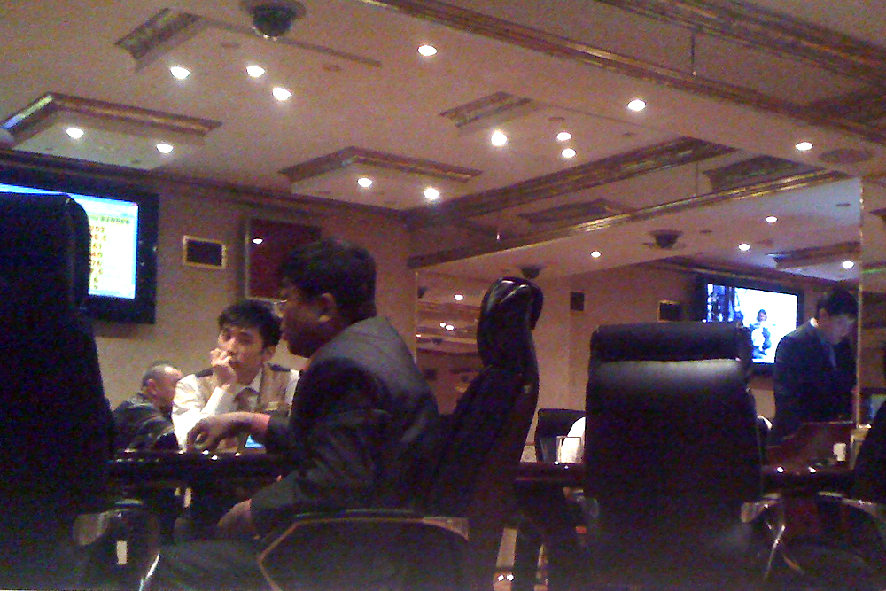 To attract wealthy gamblers, Orion offers high-backed leather chairs and flat-screen TVs. (Photo shot with mobile phone)
