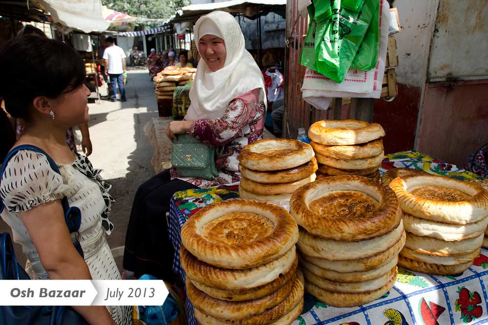 As the Osh bazaar continues its recovery, flatbreads are found in ample supply.