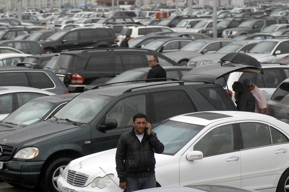 Georgia Low Incomes No Barrier For Buying Luxury Suvs Eurasianet
