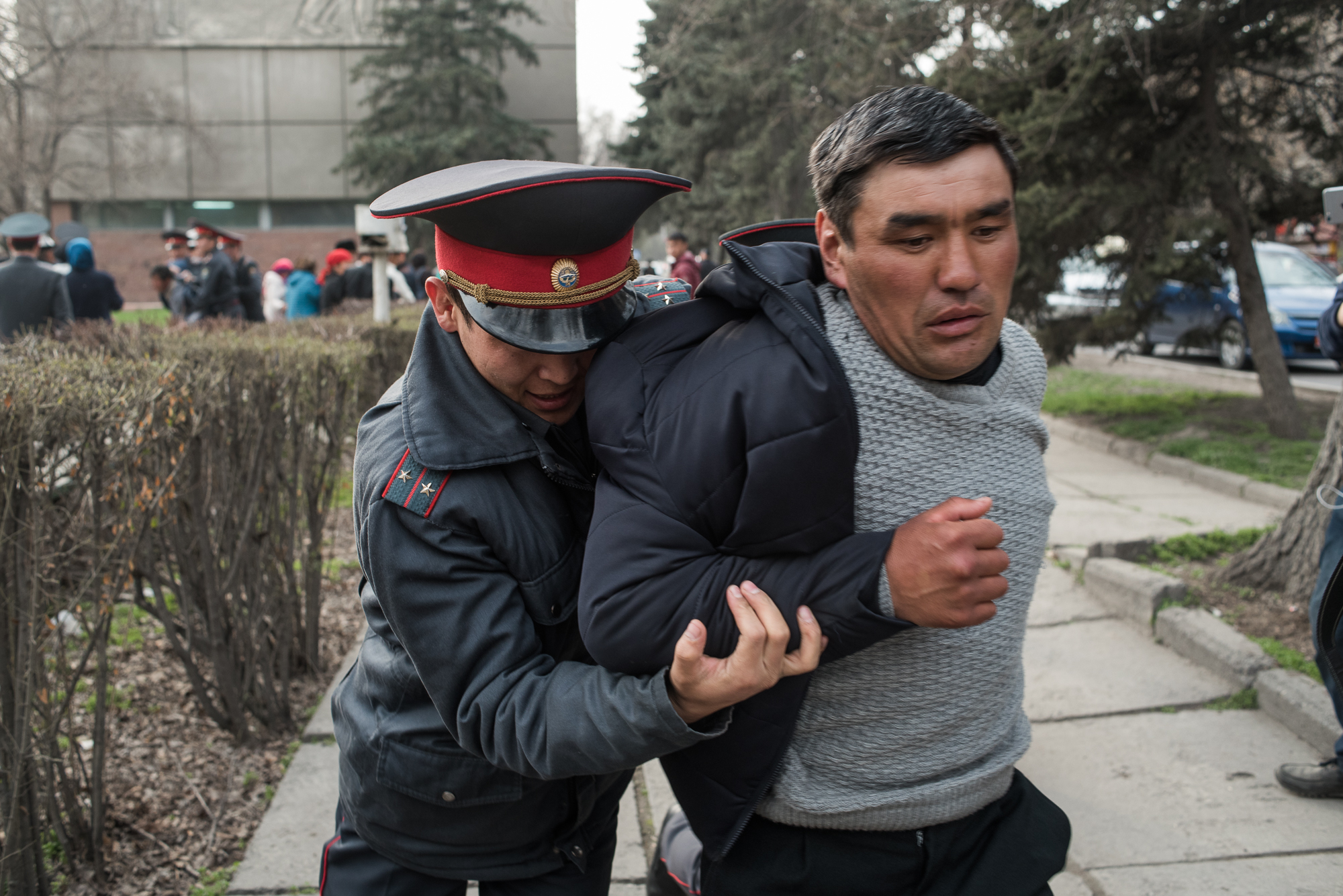 Kyrgyzstan: Clashes Break Out as Returning Exiled Politician Detained