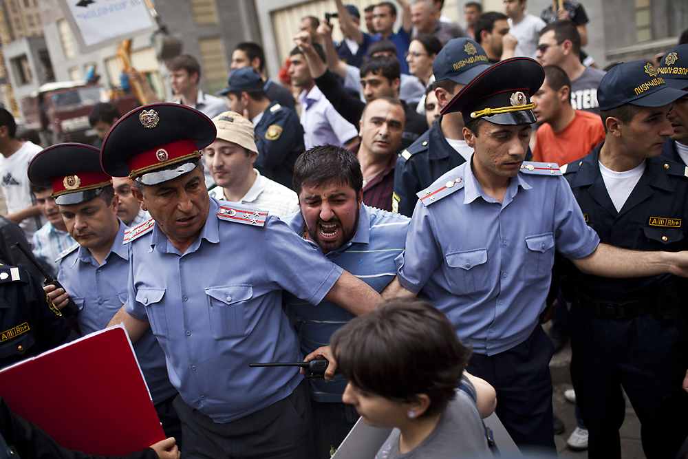 Several dozen men and women shout insults against homosexuality during a diversity march in Yerevan. (Anahit Hayrapetyan)