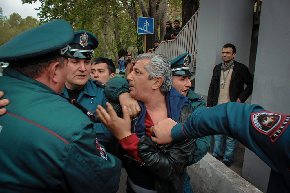 Police detained over 200 demonstrators by early evening, sometimes using force. (Vaghinak Ghazaryan/4Plus)