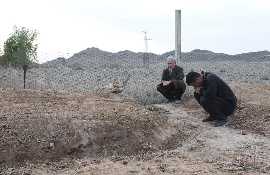 A man buries his son in Batken