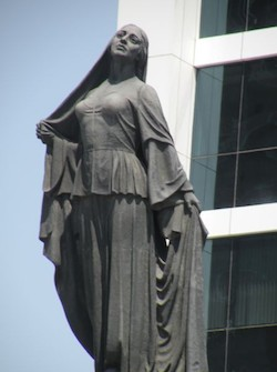 statue of a liberated woman