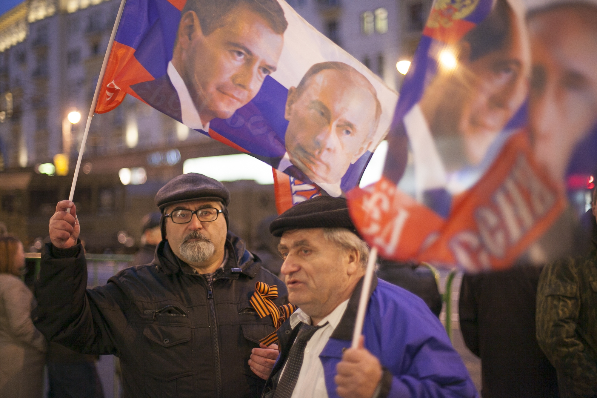Aging Putin fans in Moscow