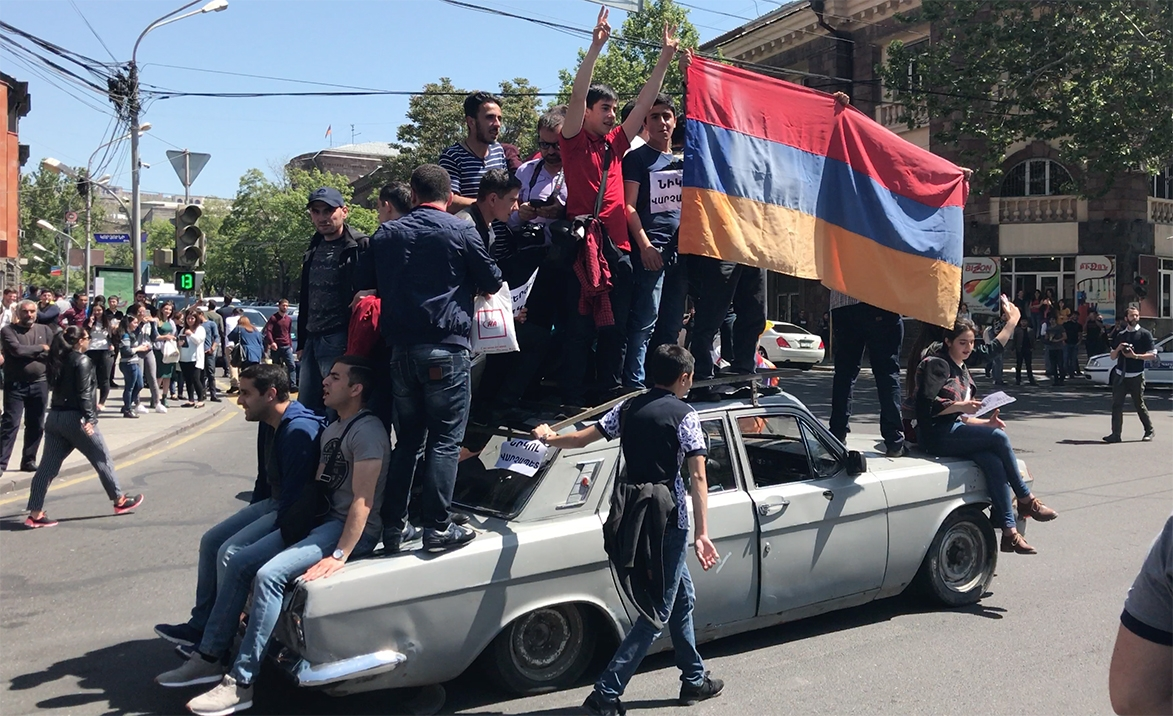 armenians protest again