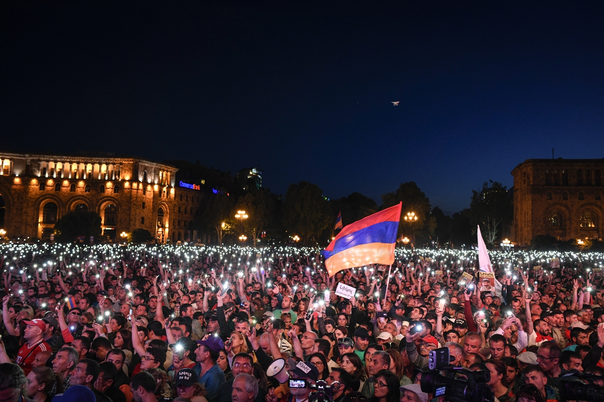 Nikol Pashinyan's supporters in Republic Square, May 1. (Nazik Armenakyan/4Plus)