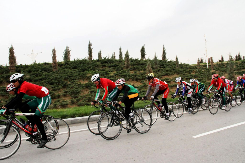 Turkmenistan bikes toward health