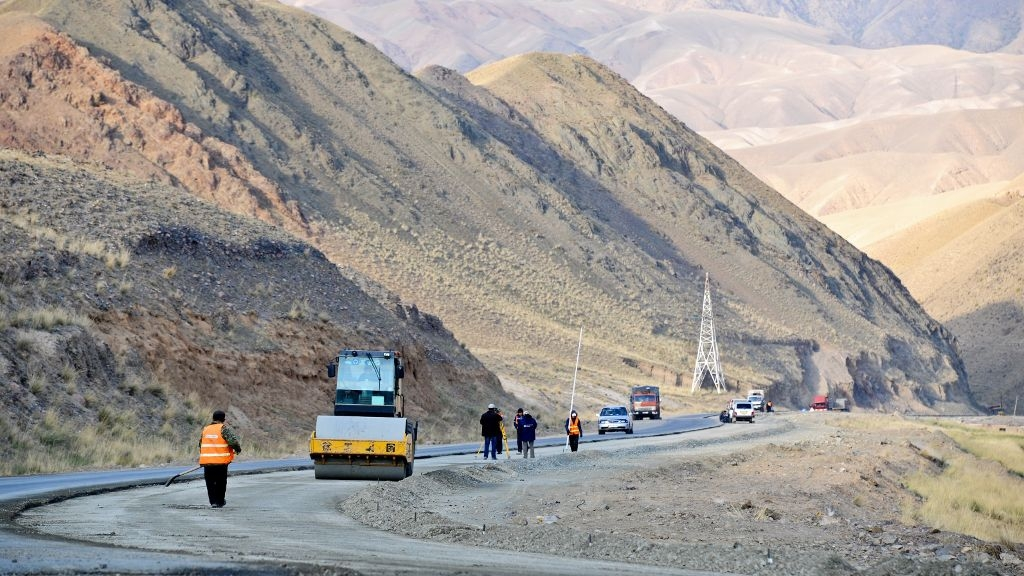 Running out of road: Kyrgyzstan wants Chinese cash for its highways, but as grants instead of loans. (Photo: Asian Development Bank)