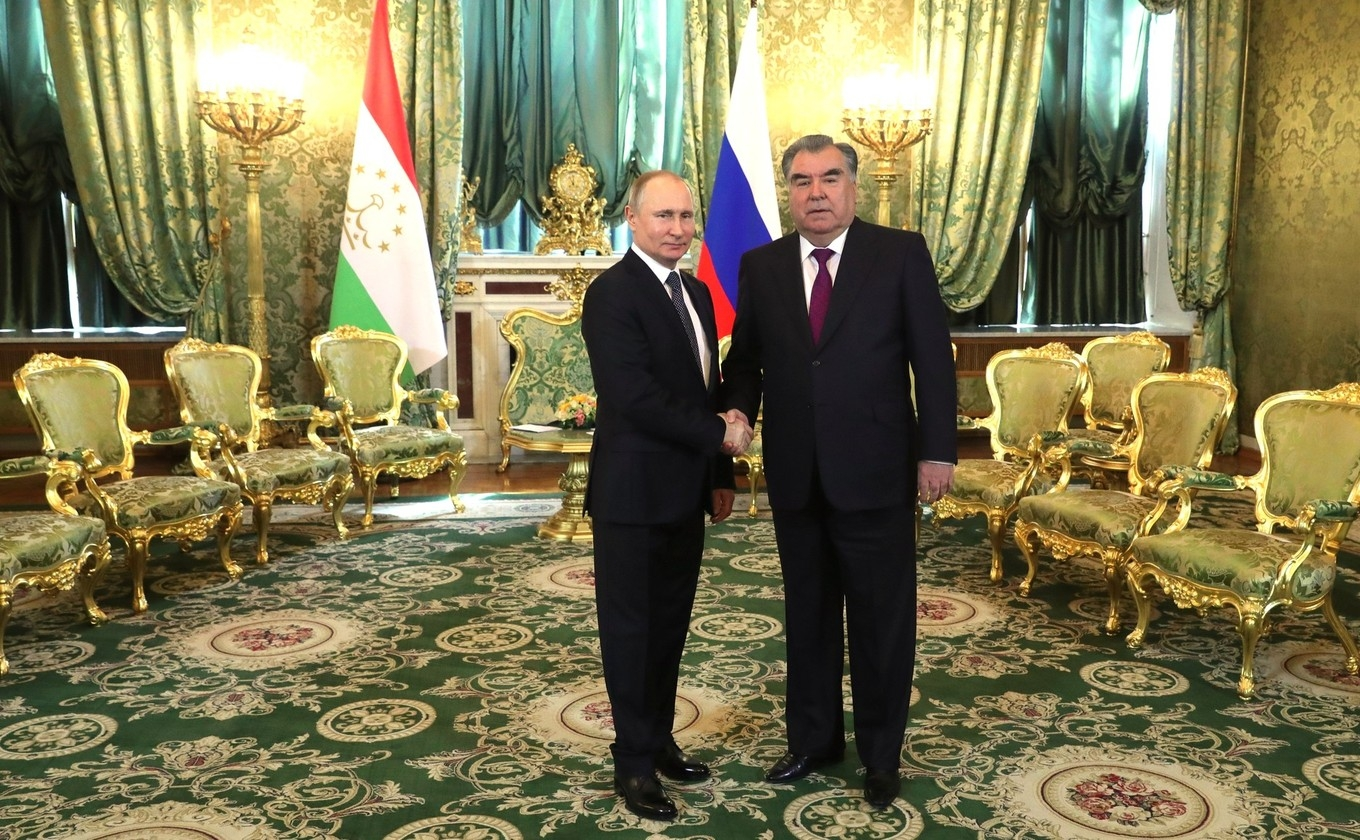 Battle of the bans: Putin and Rahmon meeting at the Kremlin this week. (Photo: Kremlin website)