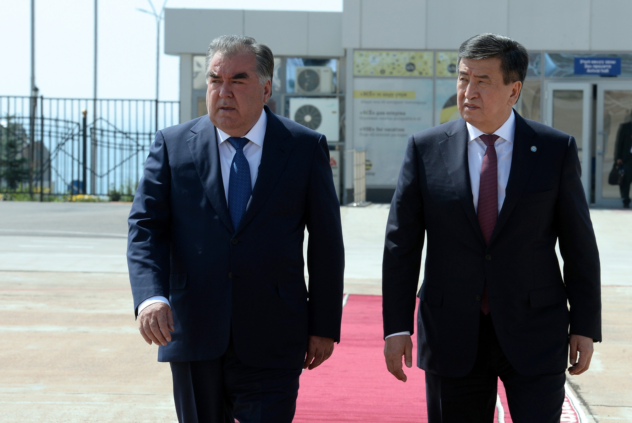 Not Reservoir Dogs: Sooronbai Jeenbekov, right, seen here with Tajik President Emomali Rahmon. (Photo: Kyrgyz presidential website)