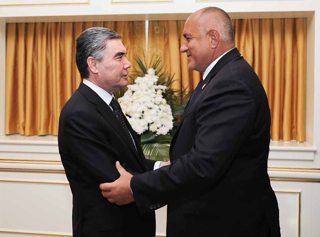 Berdymukhamedov welcomes Bulgarian Prime Minister Boyko Borissov to Turkmenistan (photo: government of Bulgaria handout).