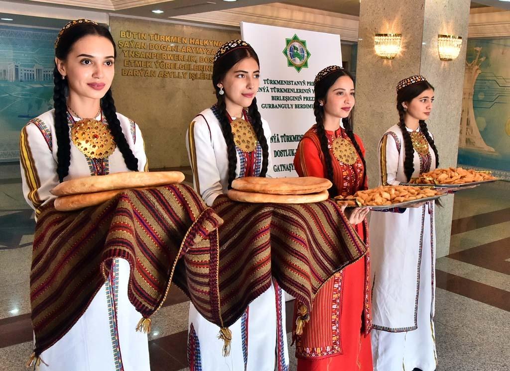 turkmenistan girls