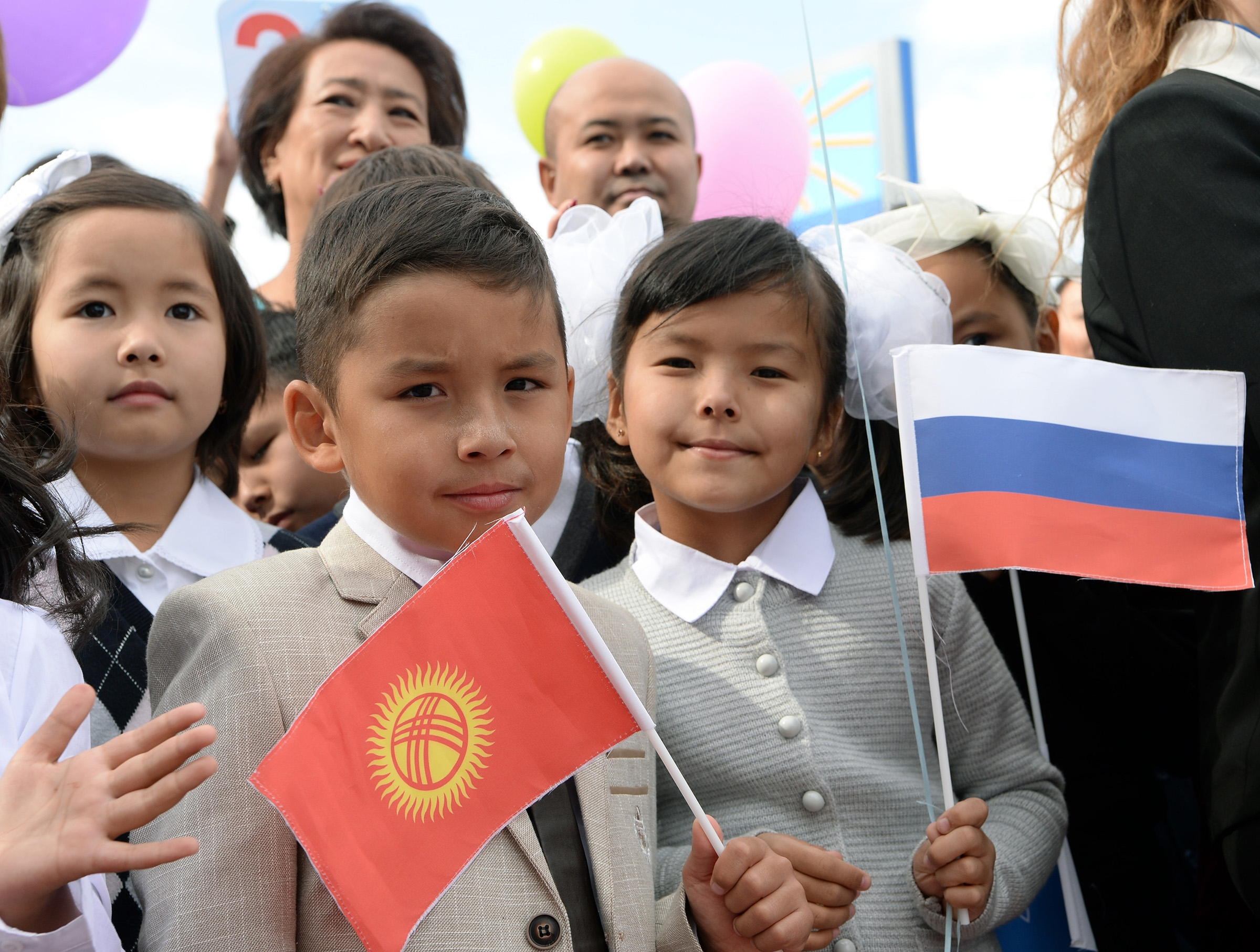 Children at the opening of Gazprom's school in Bishkek. (Photos: Kyrgyz presidential administration)