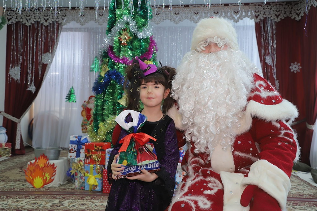 Celebrating the coming of 2020 in a Tashkent kindergarten (Eurasianet)