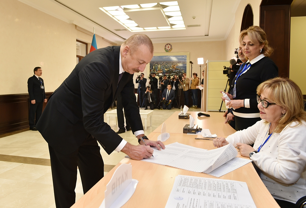 President Ilham Aliyev registering at a polling station in Baku on February 9. (president.az)
