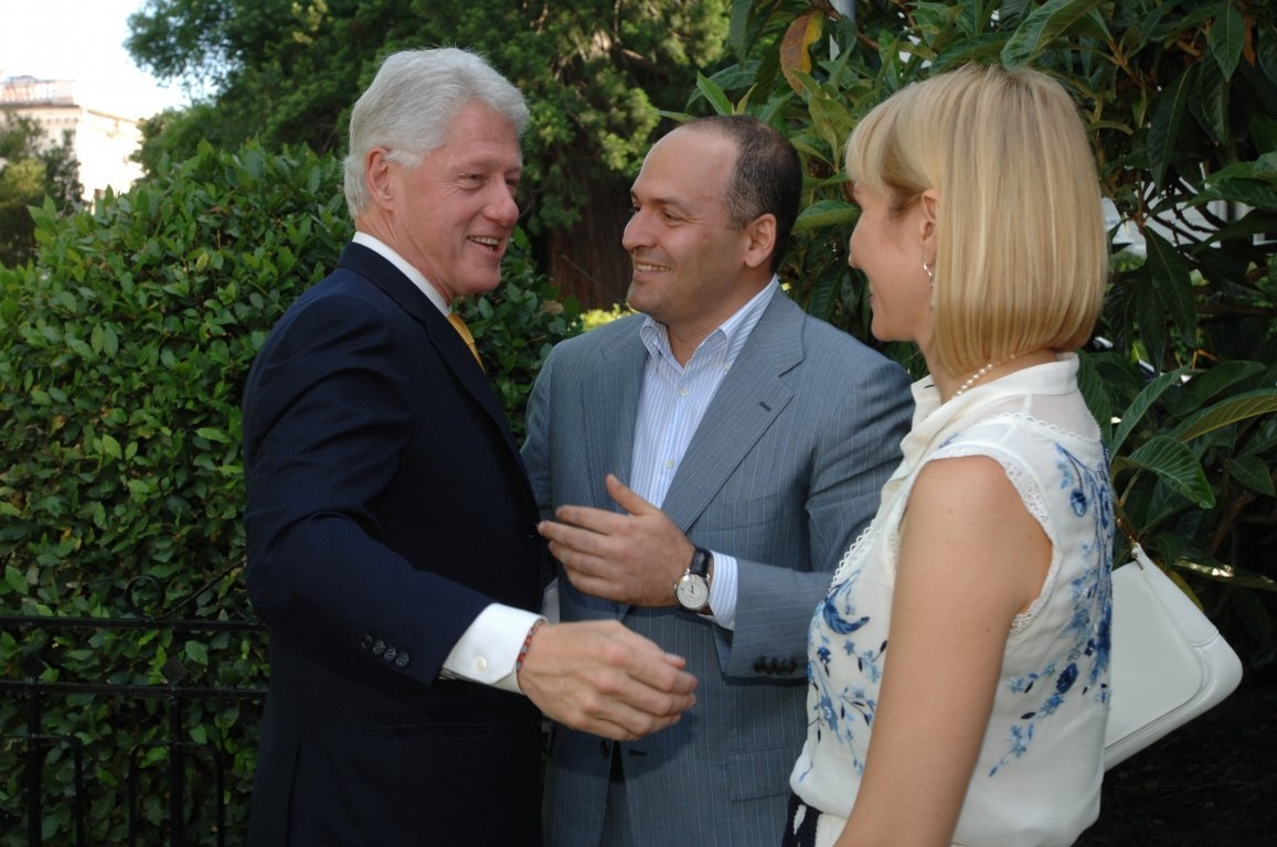 Bill Clinton with Victor and Olena Pinchuk in 2007 (all photos courtesy of the Victor Pinchuk Foundation)
