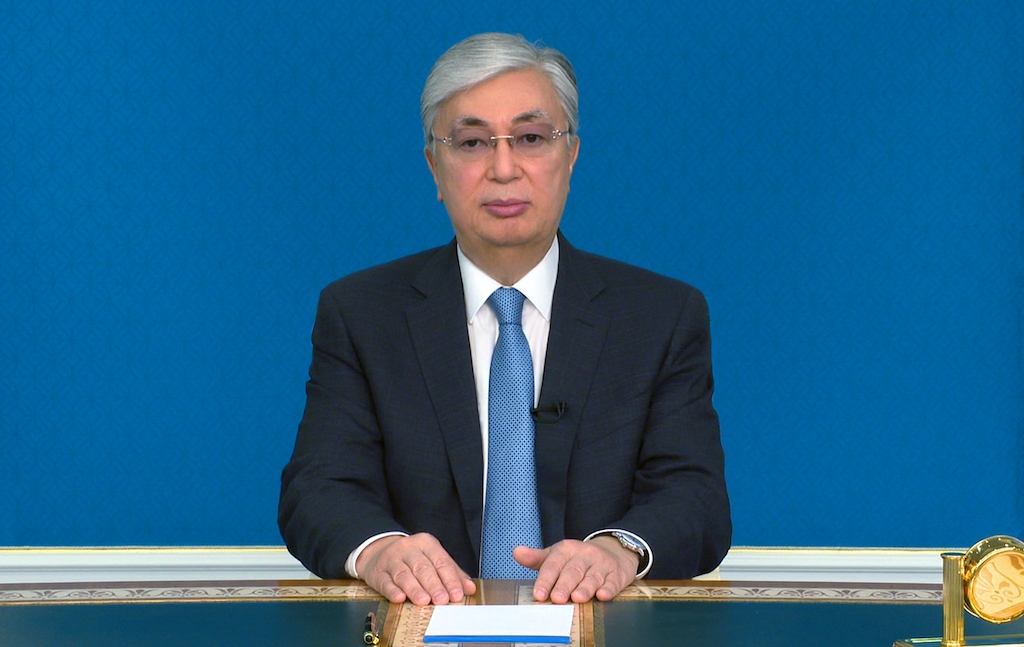 (Help!) not just anybody: Tokayev address the nation on television on March 31. (Photo: Presidential administration)
