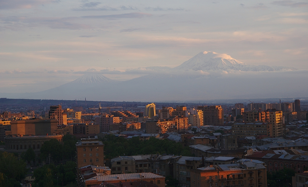 A view of Yerevan, Armenia with Mount Ararat (in Turkey) in the distance. (Photo by Ogannes/CC BY-SA 2.0)