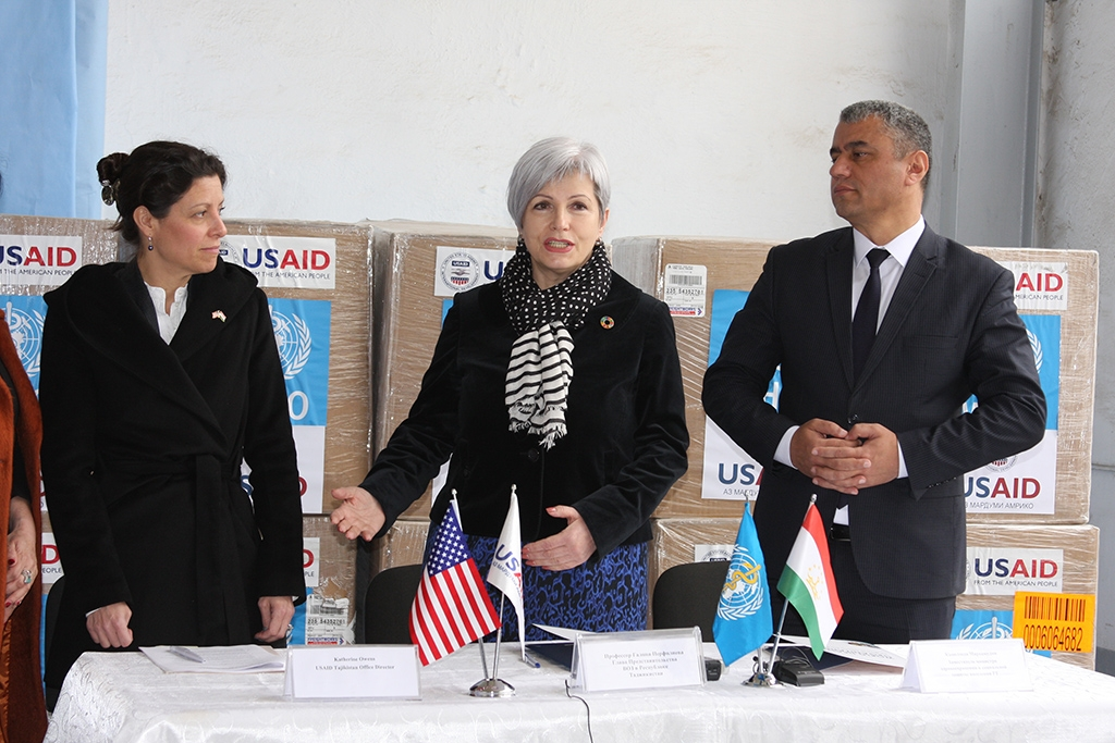 WHO representative Galina Perfiliyeva has refused to answer local journalists' questions. (Photo: USAID)