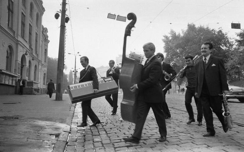 Musicians in Kyiv in the 1960s. (Moscow House of Photography)