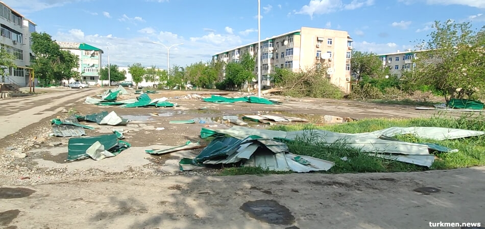 Wind damage in Turkmenabat (photo: Turkmen.news)