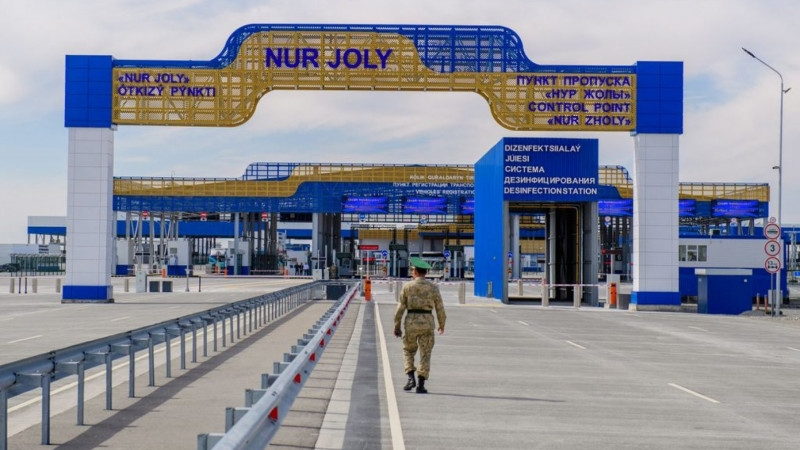 Not so jolly: This border crossing is supposed to see thousands of vehicles passing through daily. (Photo: Kazakhstan government website)