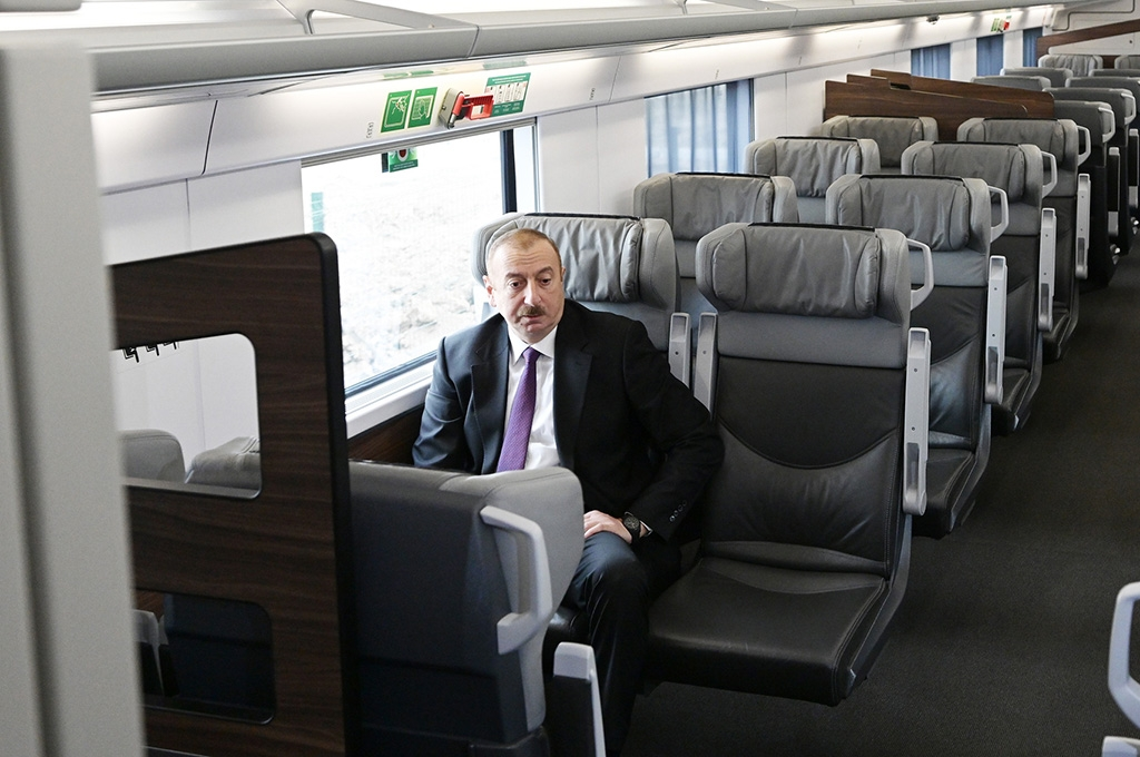 Aliyev also singled out Azerbaijan Railways for wasteful spending. (photo: president.az)