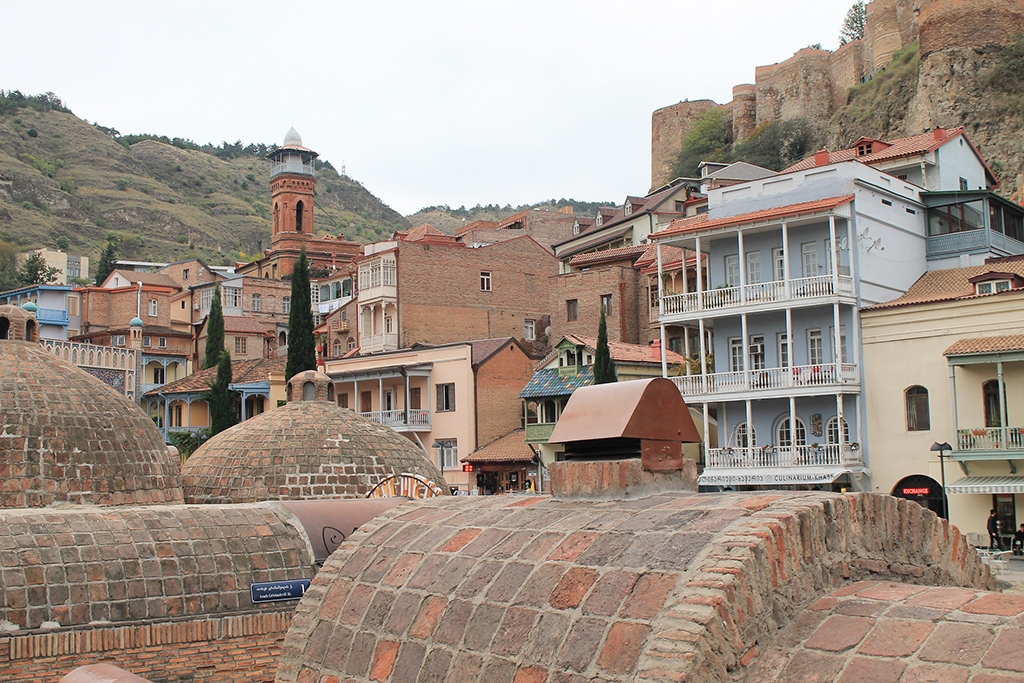 Tbilisi's old town is home to many Armenians and Azerbaijanis. (photo: Robert Wilson/Flickr/CC)