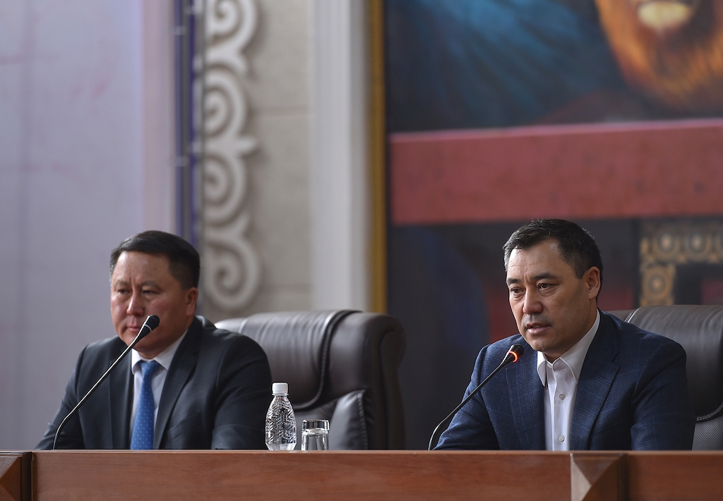 Japarov, right, presenting General Prosecutor Kurmankul Zululshev to this staff on October 22. (Photo: Presidential administration website)