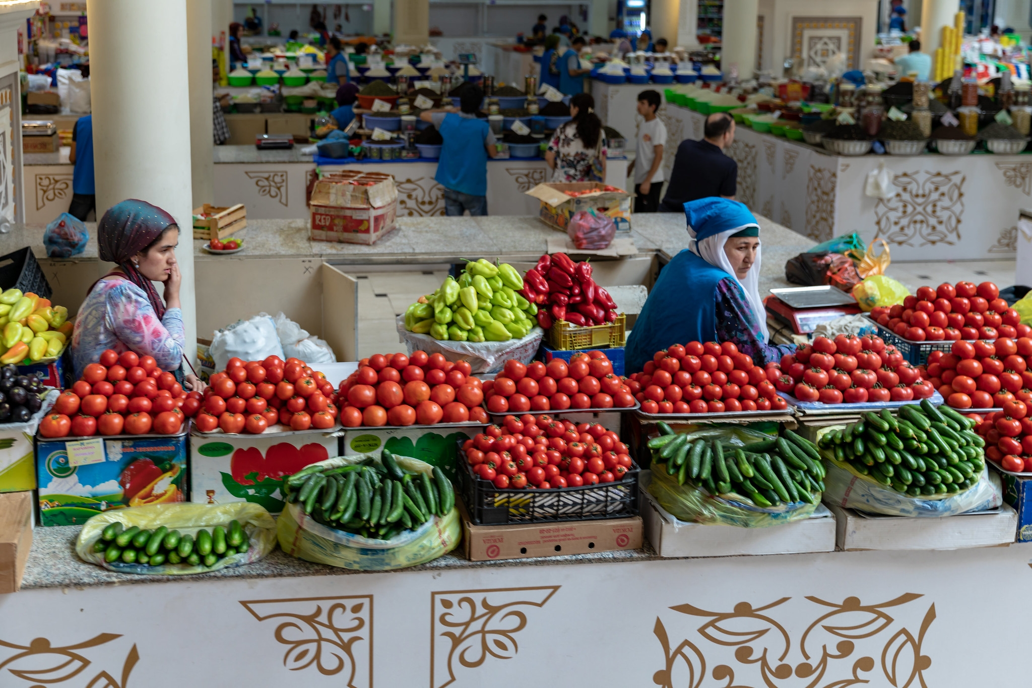 Prices in the bazaar are rising, and will continue to rise. (Photo: Flickr)