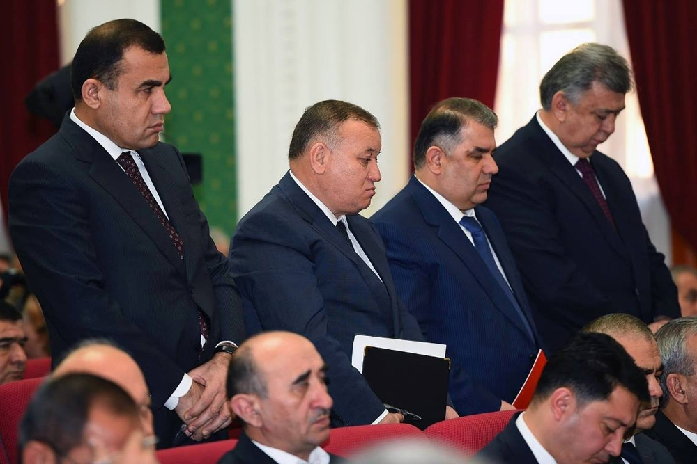 Jamshed Ziyoyev (second from left), the majority owner and chairman of Tojprombank, stands beside the heads of Fononbank, Agroinvestbank and Tojiksodirotbank during a Tajik government meeting in 2016 dedicated to a possible government bailout of the four distressed lenders. Tojprombank collapsed in 2017. (Photo: Tajik Presidential Press Service)
