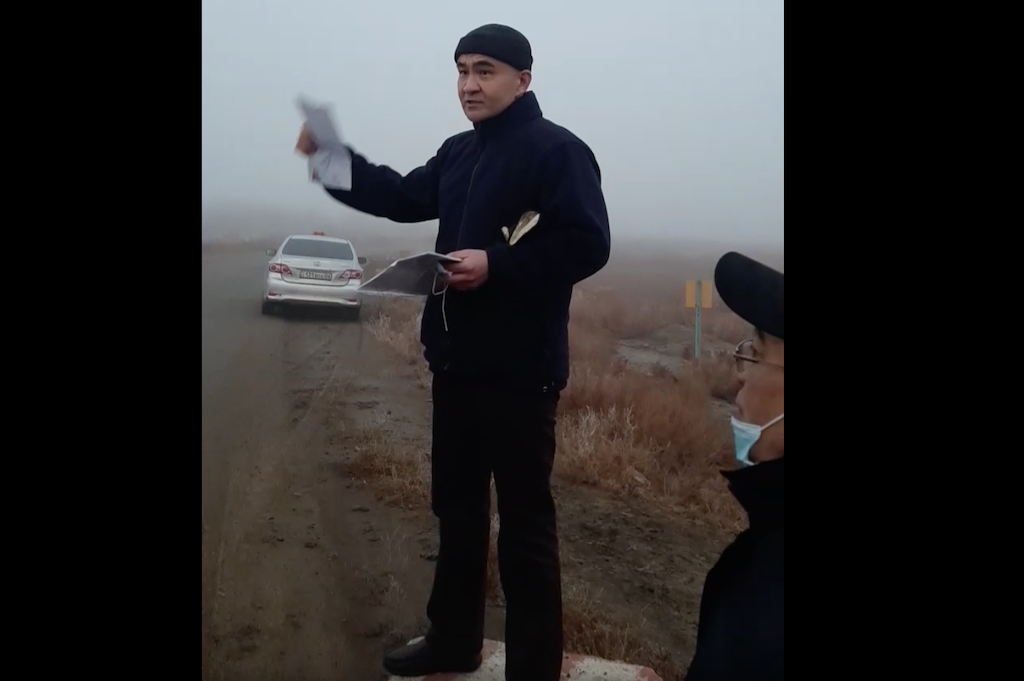 Bokayev addressing his supporters after his release. (Photo: Facebook video screengrab)
