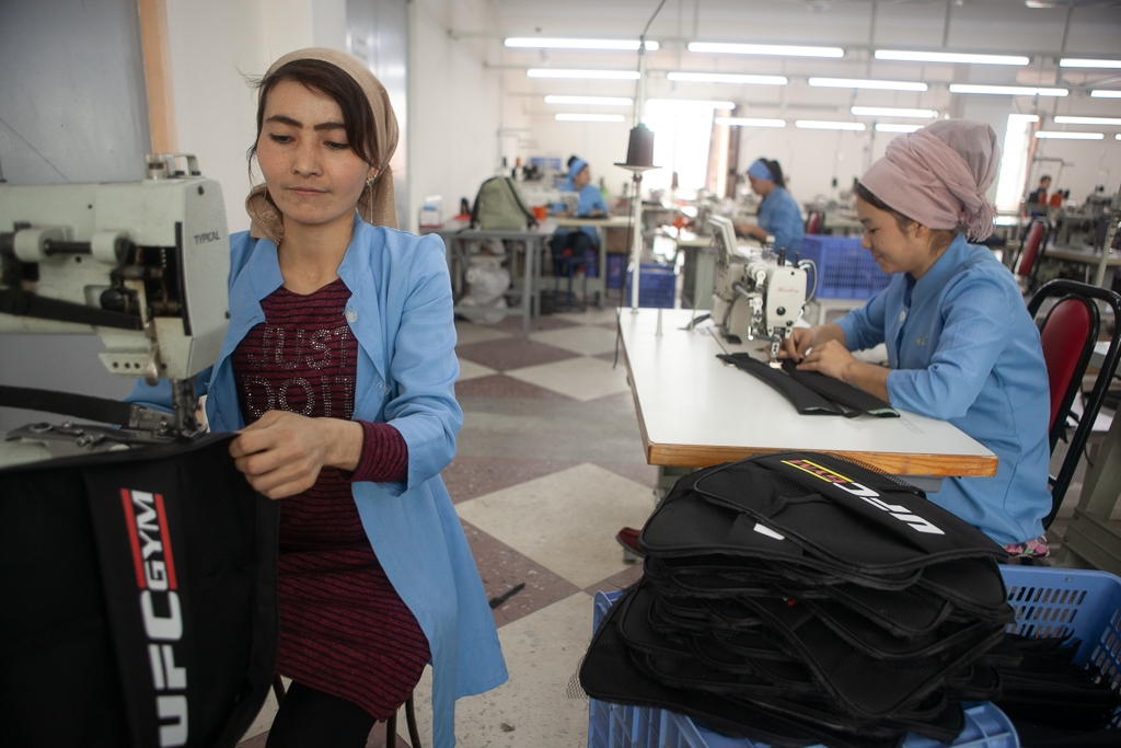 Sewing factory in Kokand - David Trilling