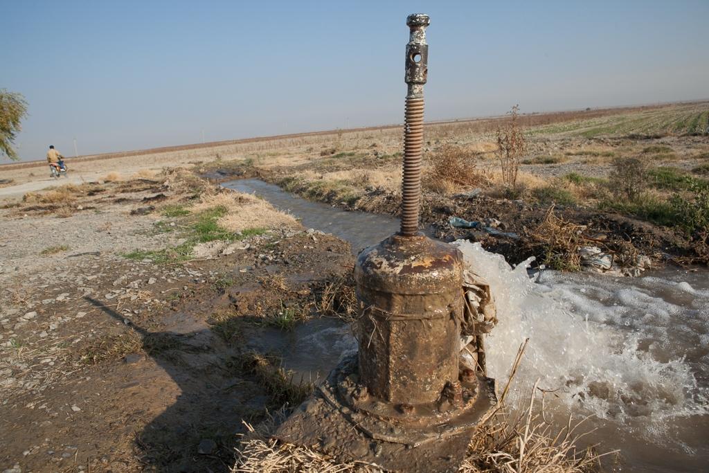 Turkmenistan: Pump up the water
