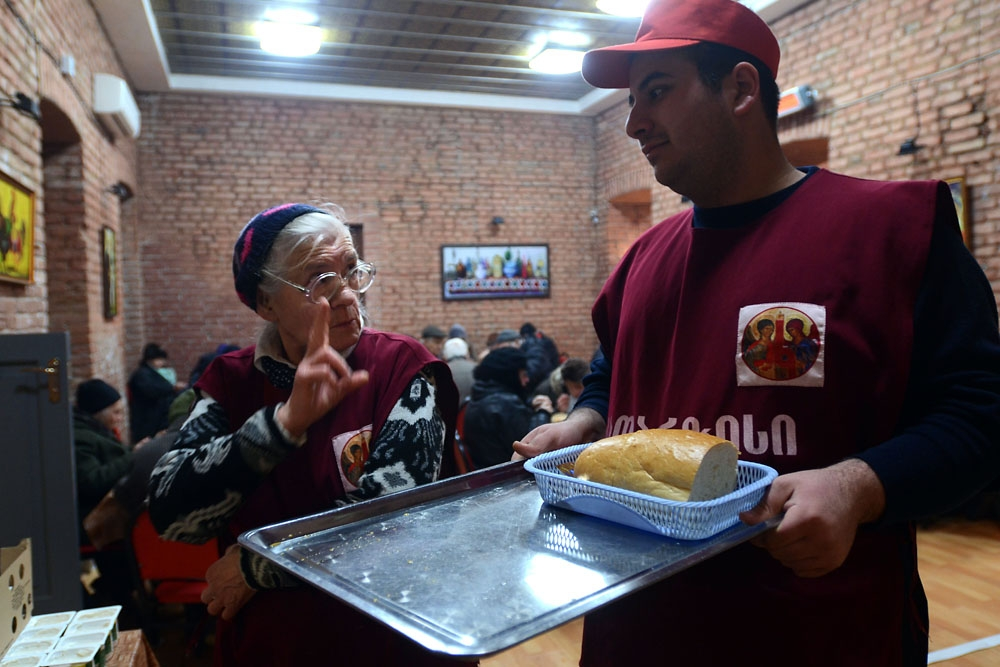 At Catharsis, the elderly and the poor receive food to keep them from going hungry.
