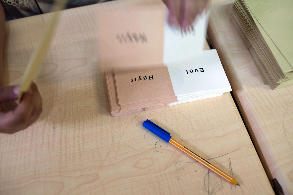 "Voters are given one ballot to choose either ""evet"" (yes) or ""hayir"" (no). (Photo: Jonathan Lewis)"