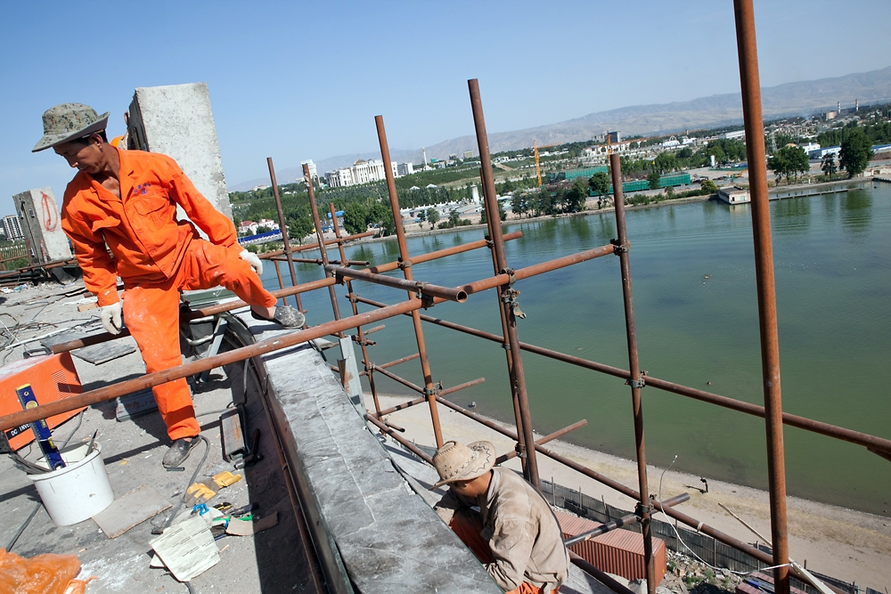 The teahouse is being built on the shore of Komsomol Lake in Dushanbe. (Photo: David Trilling)
