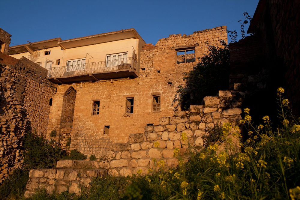 Many of the current homes in Hasankeyf are constructed upon older historic buildings.