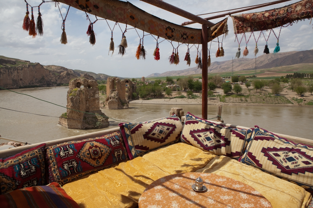 Many cafes in Hasankeyf offer stunning views over the Tigris and the medieval bridge.