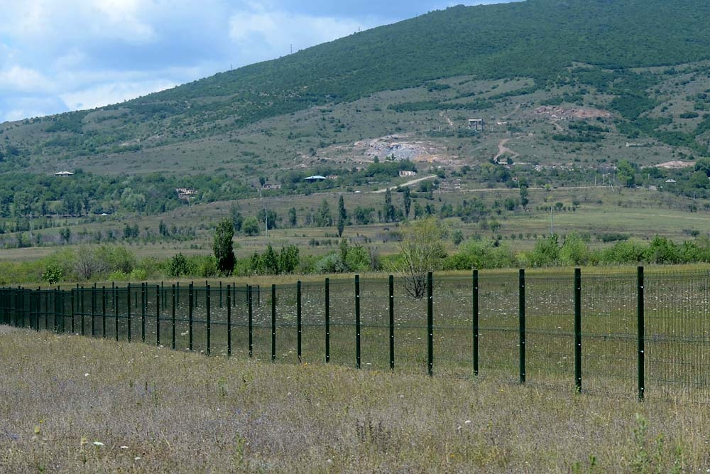 The fence may create problems with water supply, because residents in Ditsi received water from a system that runs from Ossetia.