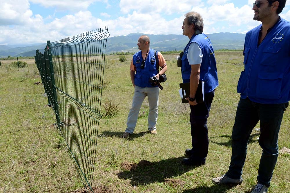 A team of EUMM observers trace the Russian fence-construction progress several times a week.