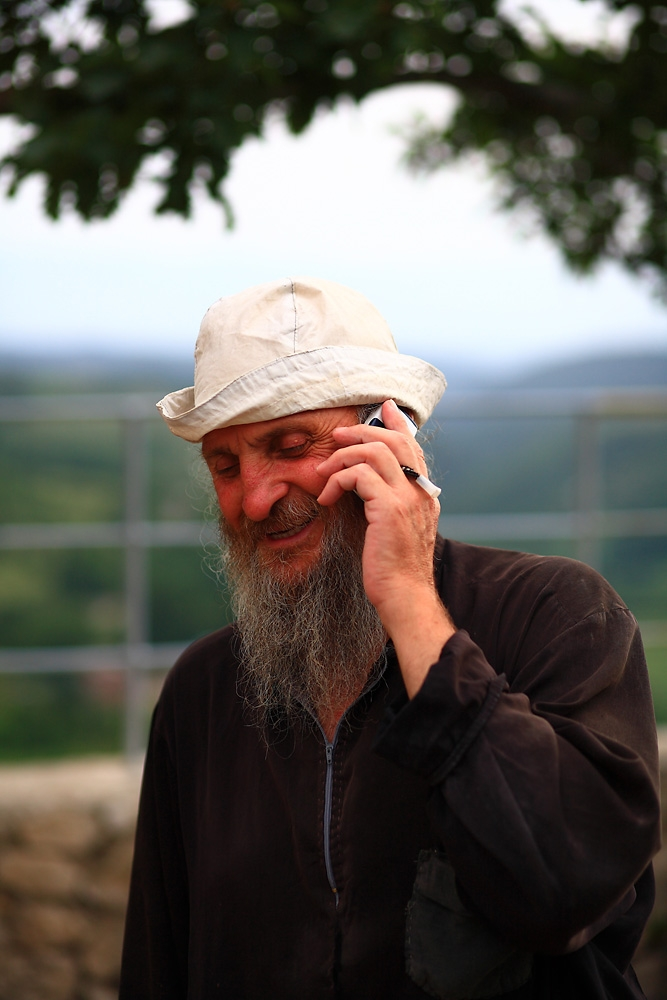 In 1993, Father Maxim took monastic vows, and two years later decided to move to Katskhi.