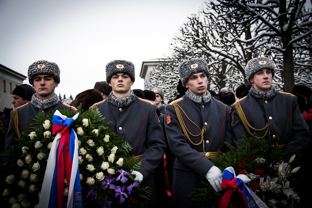 Russian soldiers deliver wreaths at a ceremony honoring victims of the siege of Leningrad. (Noah Sneider)
