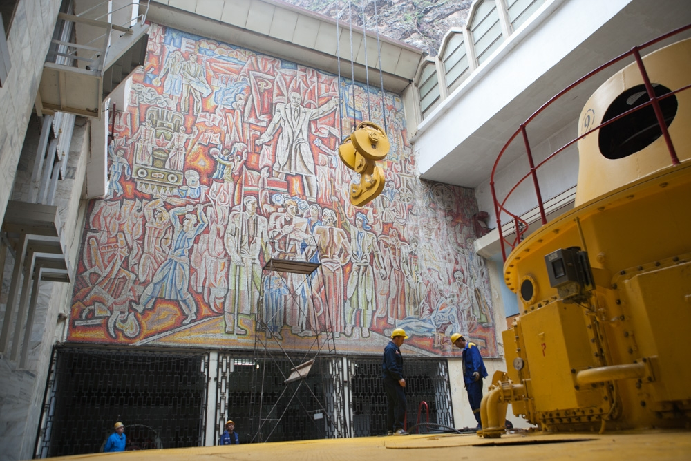 Inside the Nurek hydropower station, built in the 1970s, an ornate mosaic features Soviet founder Vladimir Lenin.
